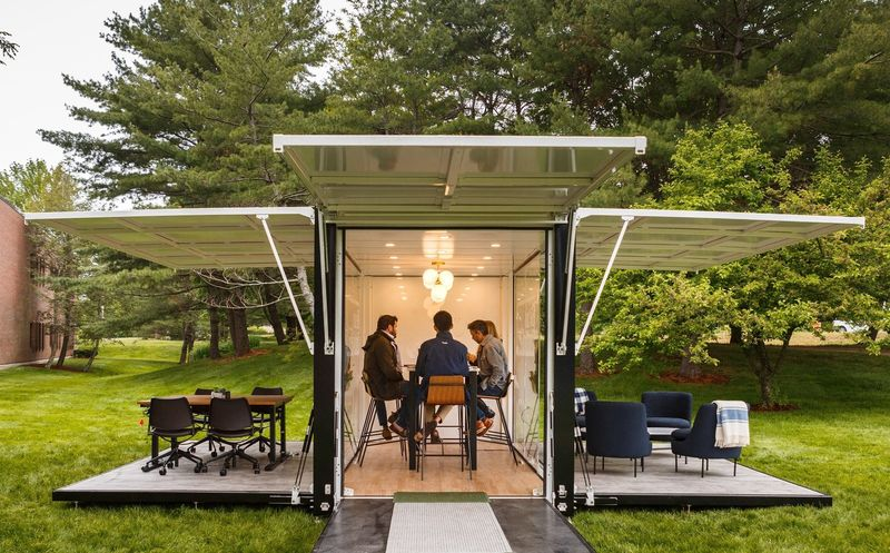 Outdoor-Co-Working-Offices
